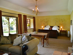 Old Halliwell Country Inn | Accommodation KZN Midlands B&B